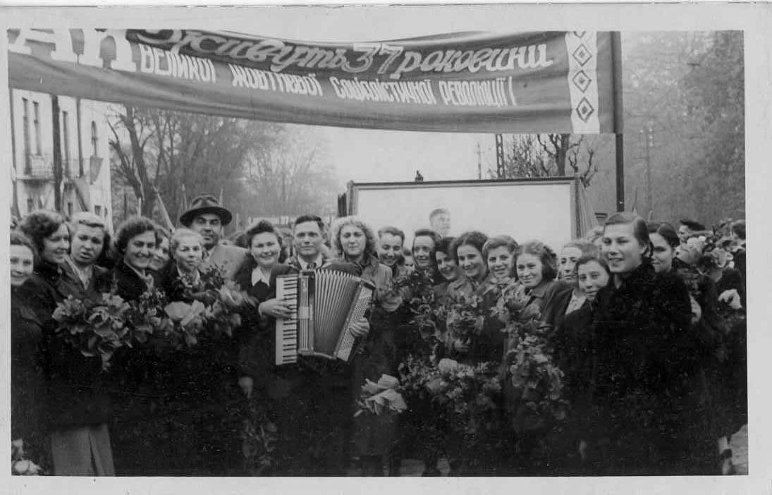 Valentina Vaysfeld at an October Revolution celebration, 1937