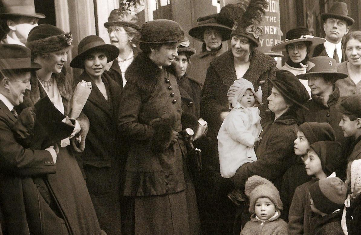 Margaret Sanger and Fania Mindell on courthouse steps, 1917