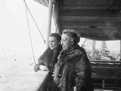 Henrietta Szold and Julia Aronson Travel to Palestine aboard the Guiseppe Verdi, 1920