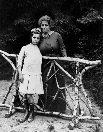 Louise Waterman Wise and Justine Wise circa 1913
