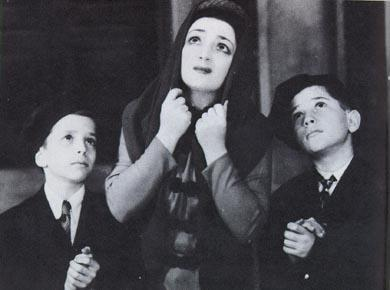 "Molly Picon and Children in ""Oy is Dus a Leben,"" 1942"