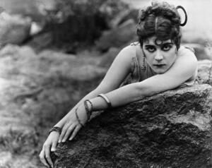 Theda Bara | Jewish Women's Archive